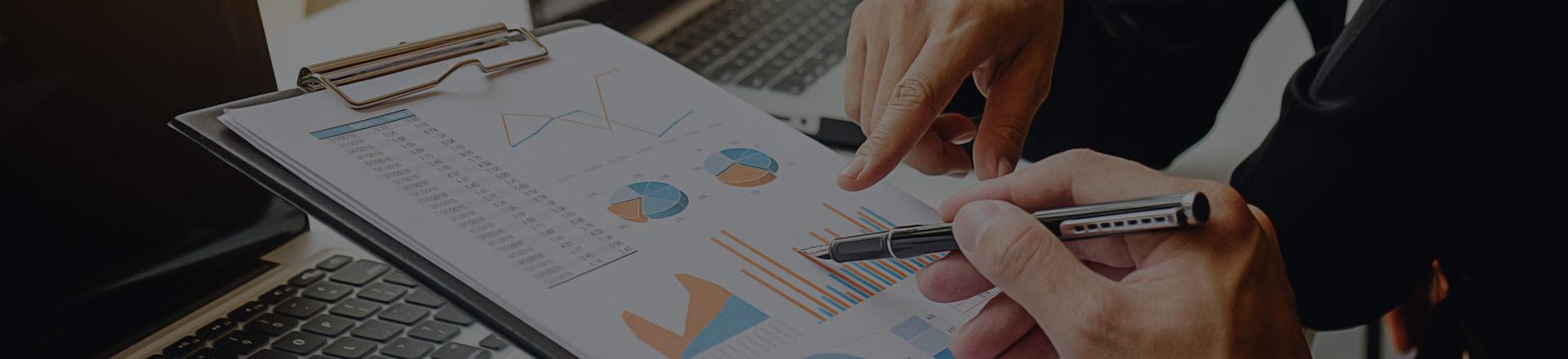 Para inwestorów omawia wyniki inwestycyjne